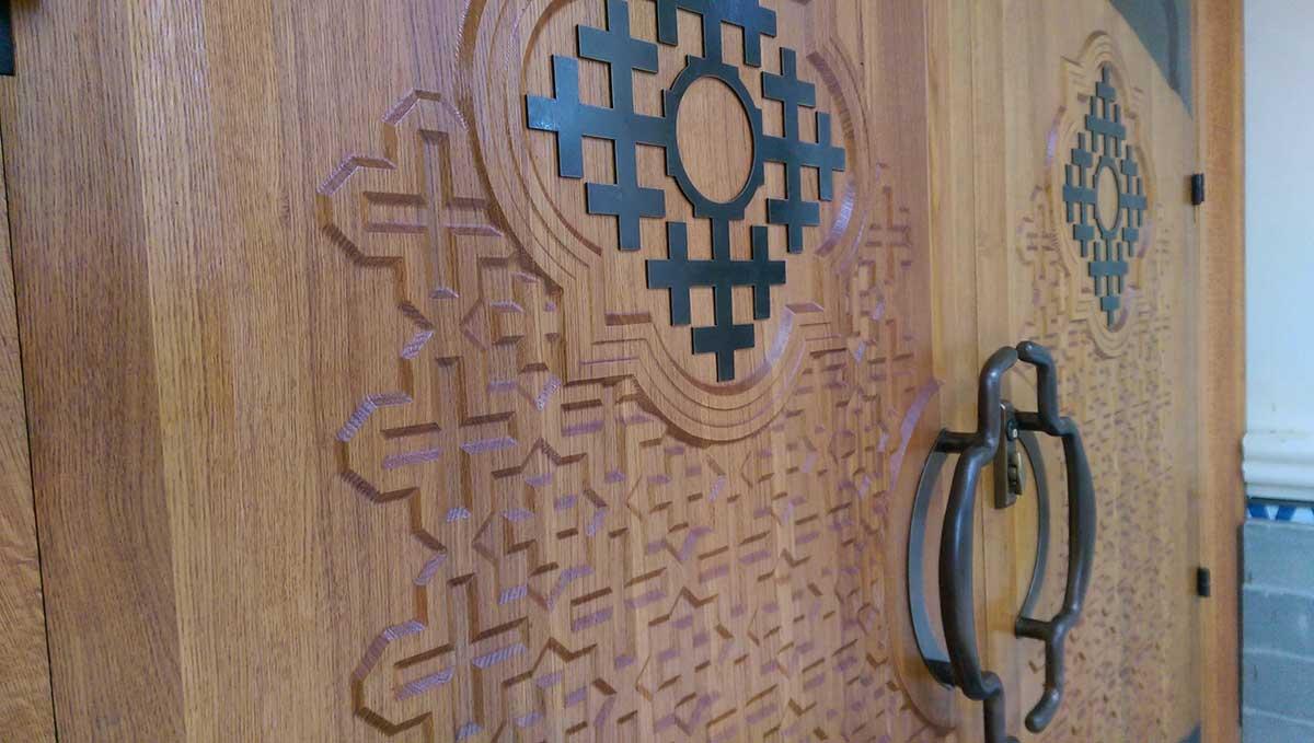 seattle-Custom-wood-and-bronze-doors